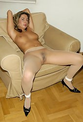 Daria tied in exclusive pantyhose